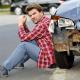 autounfall ratloser mann