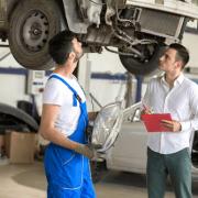 schadengutachter auto werkstatt hebebuehne
